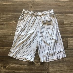 Nike Dri-Fit Basketball Shorts - Boys Size S